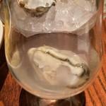 オイスター&ワイン ペスカデリア - 牡蠣酒