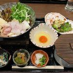 63217723 - あなごと鶏ハラミのすき焼き鍋定食 980円