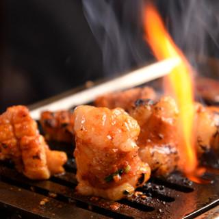 焼肉、ホルモン大好き常連客で常に満席のお店です!