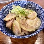 ぼたん - 特製チャーシュー丼350円