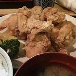 雛どり - 鶏から揚げ アップ