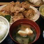 雛どり - 鶏から揚げ定食の全容