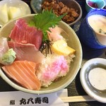丸八寿司 - 海鮮丼ランチ¥750