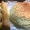 ベーカーズ・ノンノン - 料理写真:メロンパンとアップルパイ