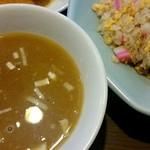 中華 味一 - 焼飯とスープ