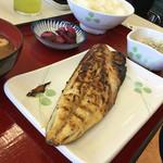 ひもの食堂 - 鯖の干物