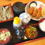 田畑屋 - カキフライとおそばのセット(1,450円)