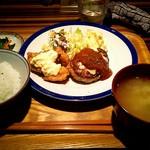ひまわり - 料理写真:日替りランチ \700 デミチーズハンバーグとチキン南蛮 ハーフ&ハーフ定食