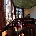 レストラン でん園 - 明るく広いです(ゆったり~)