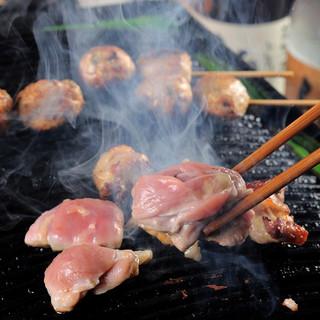 こだわりの鶏料理と秘伝の野菜ダレを堪能