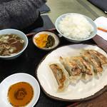くいしん坊 - 料理写真:ギョーザライス