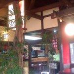 泉の里 - 蕎麦屋らしい民芸調の店内