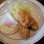 ごはん家 田島 - カキフライと目玉焼き