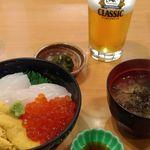 うに むらかみ 函館本店 - 三色丼、サッポロクラシック