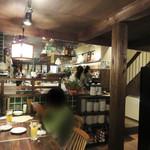 ノムカ+cafe - 1階はカウンター席やテーブル席があります。 2階はお座敷になってるそうです。