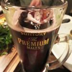 ノムカ+cafe - ジョッキスパークリングワインの赤。