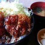 とんかつくら島 - ヒレソース丼(1050円)