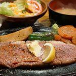 63250117 - 和牛サーロインステーキ(ライス、味噌汁、サラダ)2700円