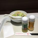 リンガーハット - 野菜たっぷりスープ とんこつスープ