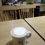ファイブ クロスティーズ コーヒー - ストロングコーヒー×フォームドミルク