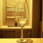 63262021 - グラスワイン(Chablis)