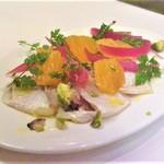 ラ・バイア  - 小鯛のマリネ、オレンジ風味、ピスタチオ