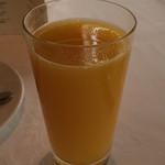 レストラン ル・クール神戸 - お好みのジュース(オレンジ又はグレープフルーツ)