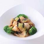 横浜大飯店 - 帆立貝のオイスターソース炒め