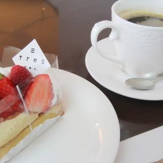 ケーキセット680円