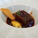 ビストロ ダイア - 和牛舌の赤ワイン煮込み 究極のマッシュポテト