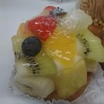 tagna - フルーツのタルト 518円