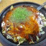 かっちゃん - 料理写真:肉玉そば、チーズ、生イカ