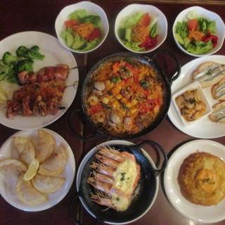 宴会コース¥4000(税込み)料理+飲みほ(3名より)