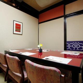 歓送迎会・同窓会などに最適のお座敷やテーブル席がございます!