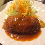 63291634 - 鎌田ランチBのハンバーグ                       肉肉しい(≧∀≦)
