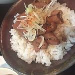 63292519 - :【お得なセット1000円】ミニもつ煮丼