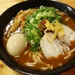 つけ麺本丸 - 濃厚豚骨魚介ラーメン