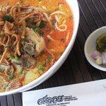 アリドイ タイレストラン - ランチ、チェンマイのカレーラーメン【カオソイガイ】