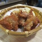 魚漁 - 魚屋さんの鶏の唐揚げ