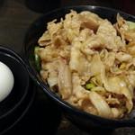 伝説のすた丼屋 - 醤油ラーメンセット870円のミニすた丼は生卵付