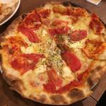 CONA - クリームチーズ&フレッシュピザ500円
