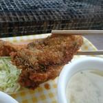 草津かき小屋 - カキフライの牡蛎はジューシー