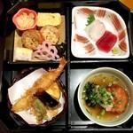 逸品料理屋 流石 - 松花堂弁当 @1,200円 こちらにごはんとお椀がつきます。