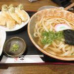 うどん居酒屋 麦笑 - 菜の花と筍の天ぷらうどん+大根おろし(わさび付)
