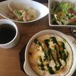 トリニティ オイスター ハウス - 野菜たっぷりごろっごろパングラタン1,000円