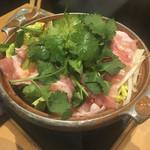 三代目 鳥メロ - 酸辣湯パクチー鍋650円