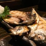 蕎麦酒肴 百景 - 紀州高下水産 紀州備長炭干しの鯵690円