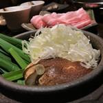蕎麦酒肴 百景 - ネギ出汁しゃぶしゃぶは2人前1380円