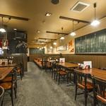 近江町食堂 - 1階店内(最大42席)