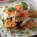 揚げ魚のピリ辛ココナッツ風味
